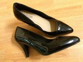 Size 6 wide fit black patent leather