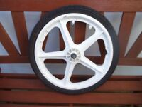 BMX MAG WHEEL AND TYRE - WHITE