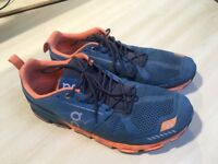 OnCloud Flyer trainers in excellent condition