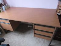 Large modern desk can deliver £40 ONO