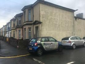 *** TO LET *** 2 bed flat available on Caerleon road. Newport