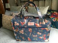 Cath Kidston shopping bag blue pattern side zip pocket, +zip fastening.