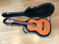 Raimundo y Aparicio Classical Guitar (with hard Gator case and Shubb Capo Noir)