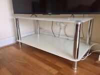 TV stand/coffee table, excellent condition with spare parts