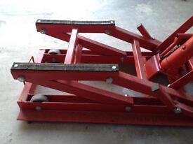 Hydraulic lift 680kg
