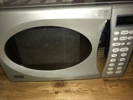 Delonghi Microwave 800w in Silver fully working order, good condition