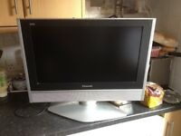 Flat screen lcd TV 22 inch very nice TVs working perfect