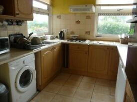 CB4 2LY 2 Large Double rooms+WiFi+parking, Bills inc