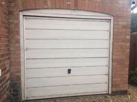 Automatic Garage door incl.fixtures/mechanism