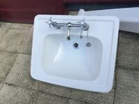 Vintage style White Sink Basin with Mixer Taps in good condition