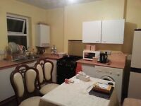 NICE 2 BEDROOM 1ST FLOOR FLAT ON PENARTH ROAD £580 !!