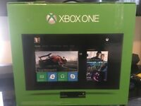 ALMOST BRAND NEW * XBOX ONE FULL PACKAGE WITH CAMERA