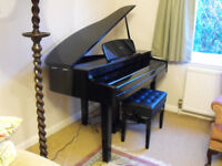 Kurzweil MPG200 electric grand piano in perfect condition 2 years old purchased new