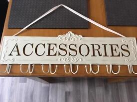 Accessories holder