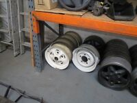 LAND ROVER DEFENDER / DISCOVERY / SERIES WHEELS AND TYRES