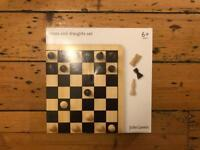 Chess and draught set