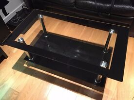 Glass coffee table in good condition
