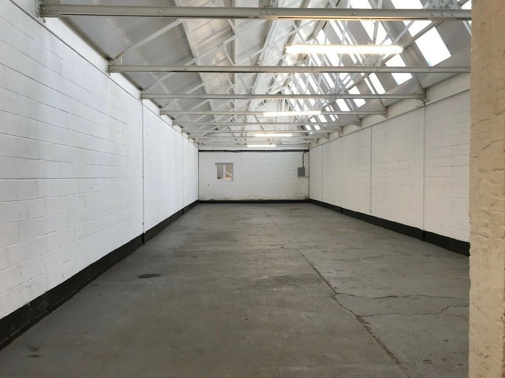 Light Industrial Units Workspace Warehouse Unit TO LET Tottenham, North London (2208 sq.ft.)