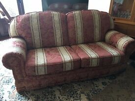 Three-piece suite of the sale, in perfect condition.