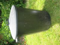 LARGE BIN WITH LID - PLASTIC
