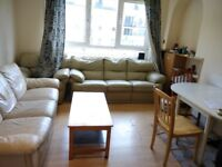 Large double room for professional - available from 15 June, Hutchison Crossway (EH14), Edinburgh