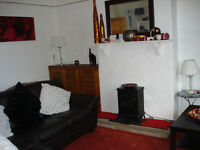 Roundhay 1 bedroom Flat in detached house