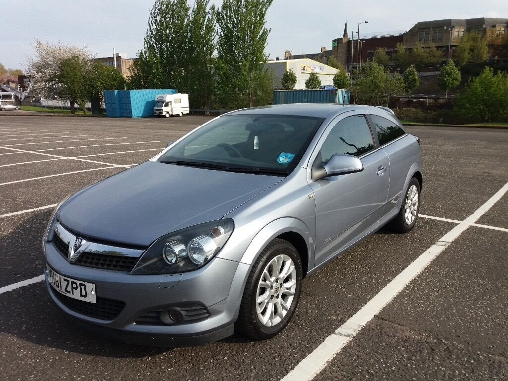 Vauxhall Astra for sale - excellent condition and low mileage