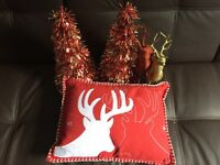 Christmas pillow, reindeers and mini-trees! All for 4 pounds - Excellent condition!