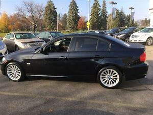 2011 BMW 3 Series **SALE PENDING**SALE PENDING** Kitchener / Waterloo Kitchener Area image 4