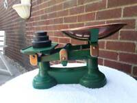 Heavy duty vintage style weighing scales and weights