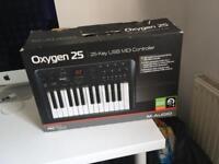 M audio oxygen 25