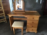 Oak Dressing table with chair and mirror