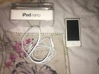 iPod Nano 7th Generation 16GB - Gold