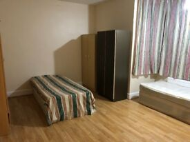 Rooms are available for rents based on ilford lane ig1,close to all ammunities buses and train stati
