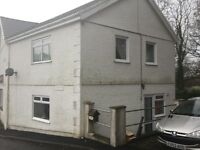2 Bedroom house to Rent in Pontyberem (opposite park)