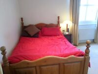 Newly re-decorated dble room in clean, spacious 1st floor flat, Wimbledon Chase Rent inclus of bills