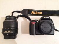 Camera Nikon D60 + Nikkor 18-55 VR DX Classic DLSR