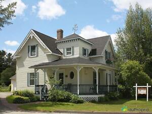 208 000$ - Maison 2 étages à vendre à La Patrie