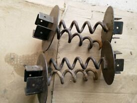 4 x Fence Post 8cm x 8cm Holders Mounts Screw in Corkscrew Style No Concrete Required
