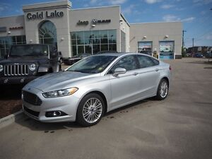 2016 FORD FUSION SE AWD, UNDER 15K KM, BACK UP CAMERA, LEATHER