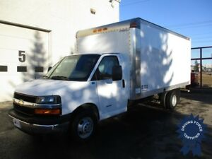 2016 Chevrolet Express 4500 - 16ft Van Body - Only 22,469KM