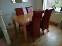 For sale dining table and chairs £100