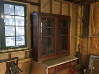 Mahogany Bevelled GlassDoor Bookcase With Lock&Key