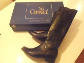 Ladies Genuine Caprice Walking on Air Boots - Size 6 - Slim Fit - Only worn twice !