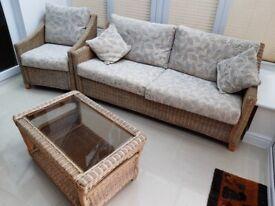 Beautiful 4 piece conservatory suite