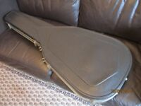 Black lightweight but robust vacuum formed carbon fibre look guitar case