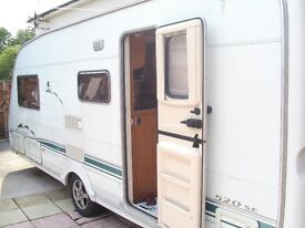 Swift Challenger 520SE 2004/2005 Luxury 4 Berth End Bathroom Caravan