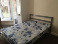 Double room to let £90.00 PW - Available Immediately