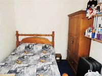 ***Cosy Room available in nice area***