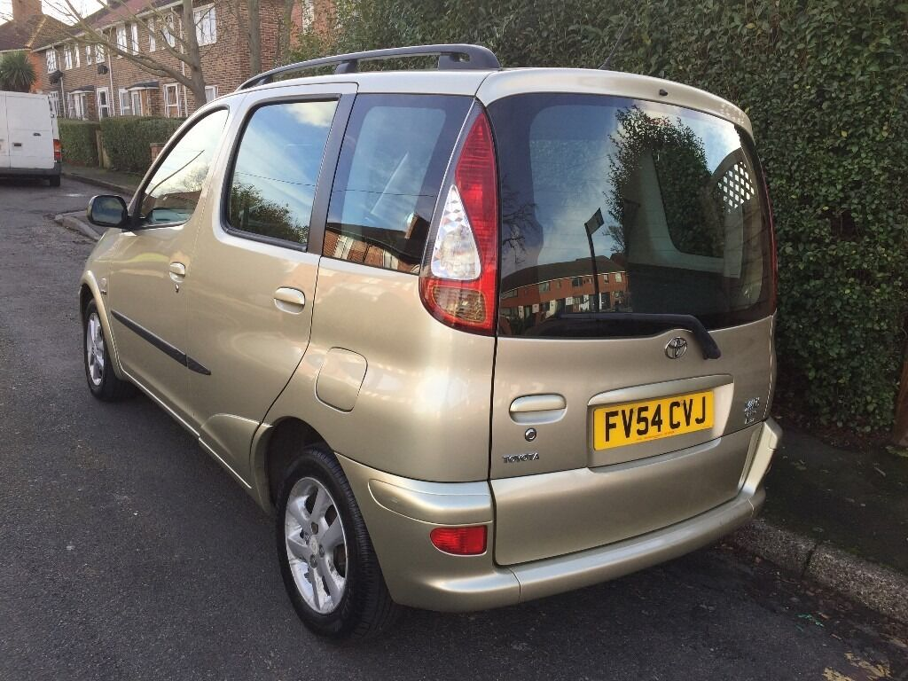 2005 toyota yaris verso 1 3 petrol r central locking in sutton london gumtree. Black Bedroom Furniture Sets. Home Design Ideas